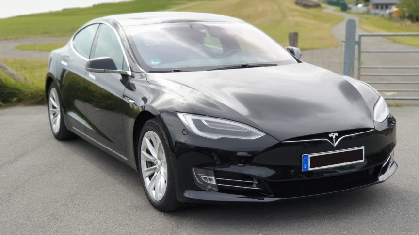 Model S with the river Elbe in the background