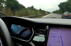 Model S overtaking A6 at 191 km/h on the Autobahn